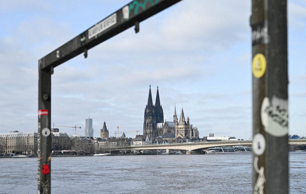 Rheinhochwasser an den Poller Wiesen
